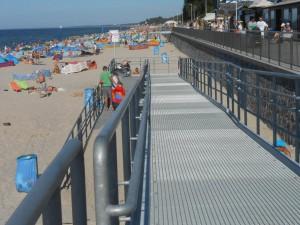 Vorbildlicher Strand-Zugang an der Ostsee-Küste in Polen