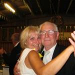 Bei unserem Fest gibt es viele Höhepunkte: Unser Senior, Onkel Schorsch, führte die Erntemutter Ellen zum Tanz