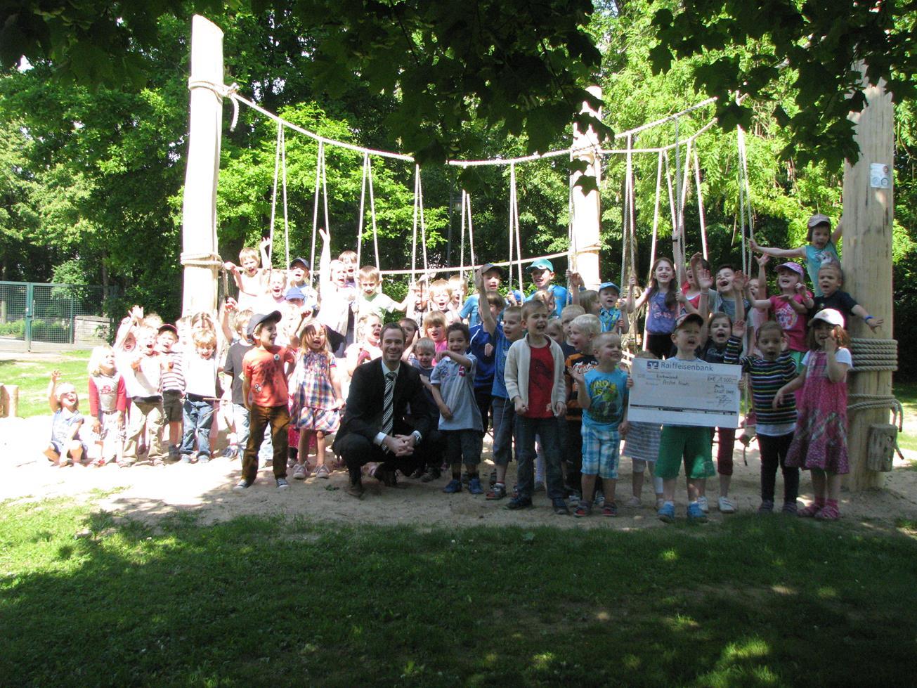 Arche Noah Klettergerüst : Schwingen hangeln balancieren u kindertagesstätte earche noah